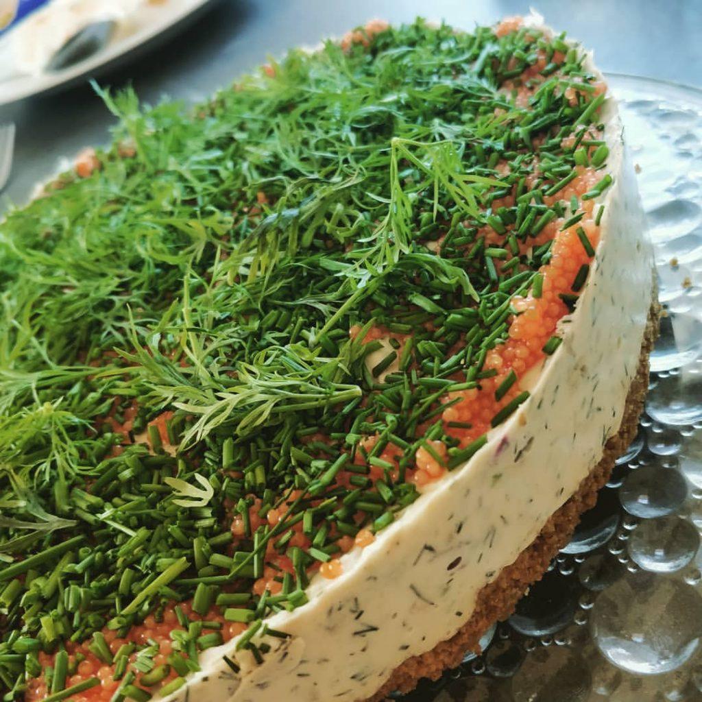 laxtårta cheesecake lax kallrökt rom dill gräslös