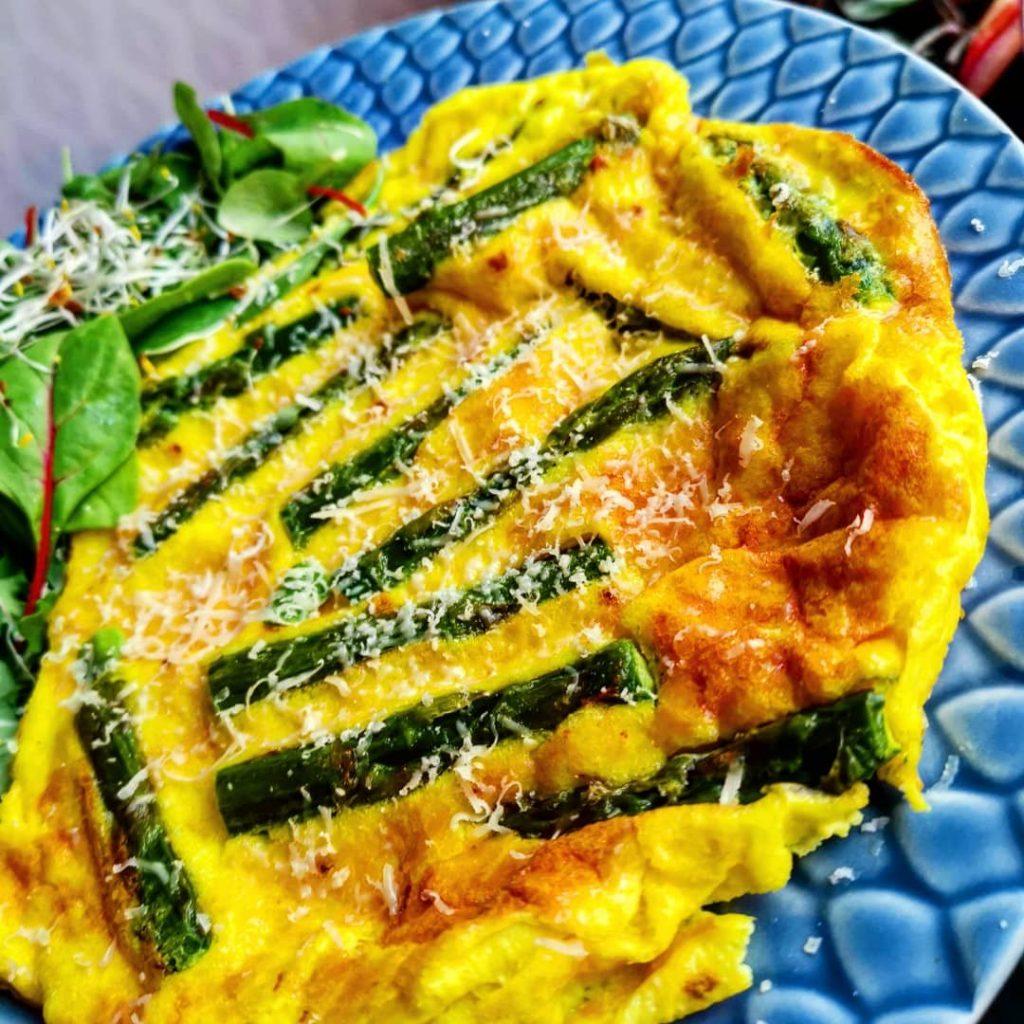 omelett sparris ägg lunch brunch frukost