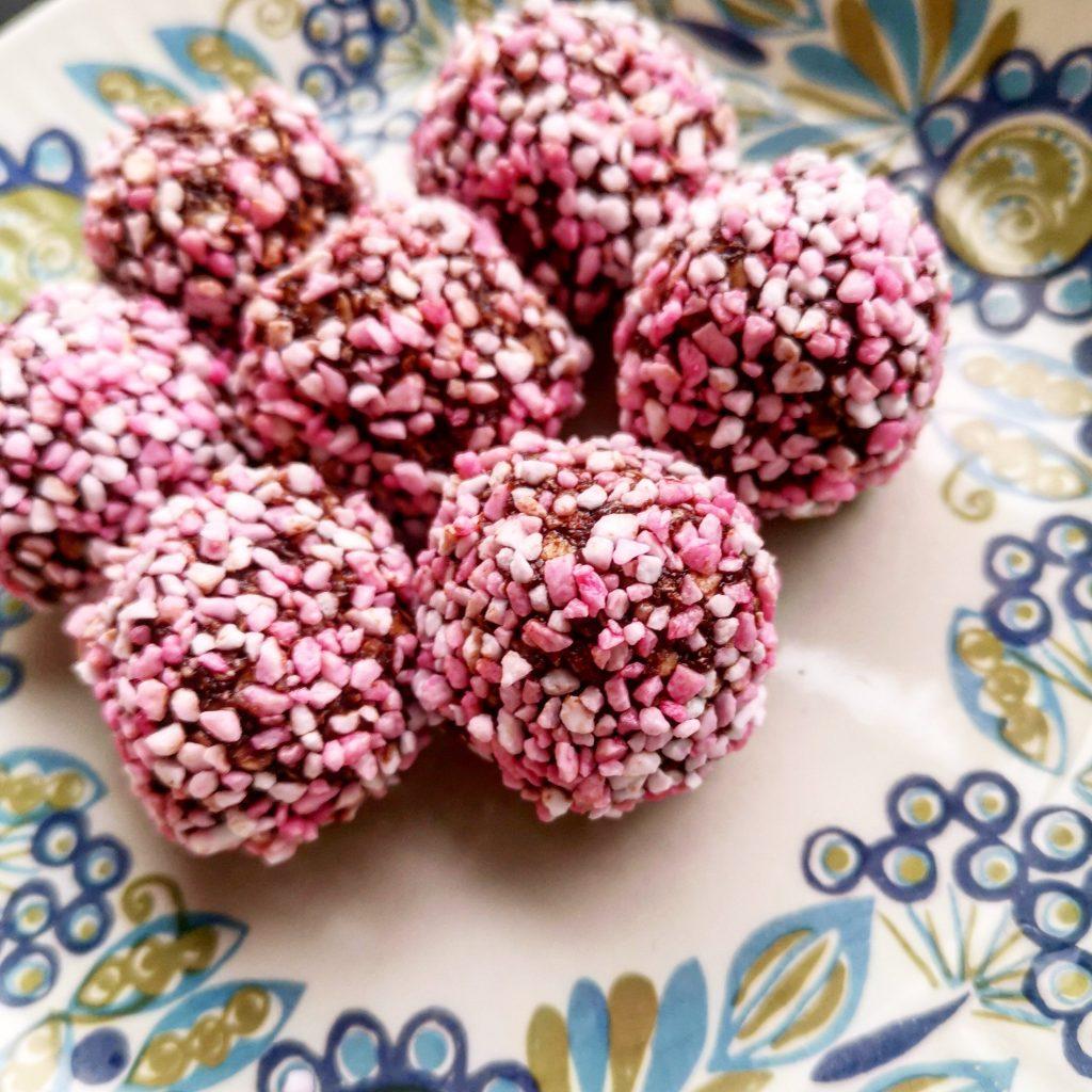 Chokladbullar kokosbollar kaffebollar jul juliga christmas cookie kaka julsmaker med