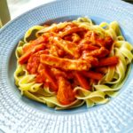 Halloumi Stroganoff grekiskt tomat pasta tagliatelle